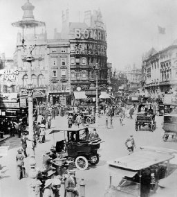 Piccadilly Circus, London, 1912