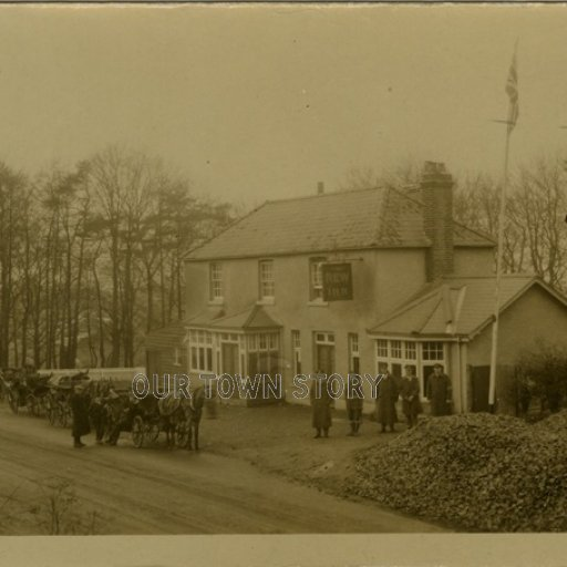 Soldiers at the New Inn, Winchester, c. 1915