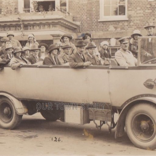 Charabanc at The Crown, Blandford Forum, c. 1920