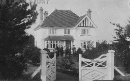 Family outside 'Brookdale', possibly Ferndown, c. 1900s