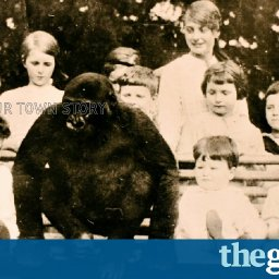 the-almost-human-gorilla-who-drank-tea-and-went-to-school