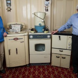 couple-finally-ditch-1950s-appliances