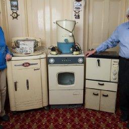 couple-finally-ditch-1950s-appliances